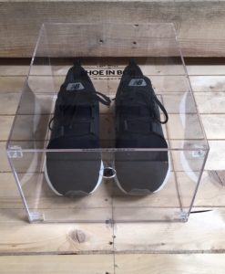 Crystal Clear Drop Front Sneaker Box i Akryl