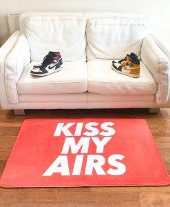 Kiss My Airs Sneaker Gulvmåtte i Orange 80 x 120cm