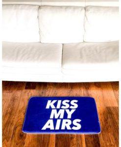 Kiss My Airs Sneaker Gulvmåtte i Lilla 50 x 80cm