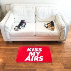 Kiss My Airs Sneaker Gulvmåtte i Orange 50 x 80cm